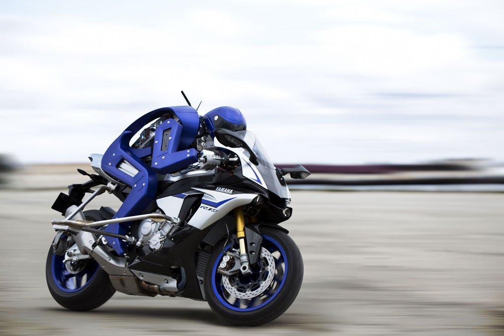 MOTOBOT: o primeiro robô humanóide a pilotar uma moto