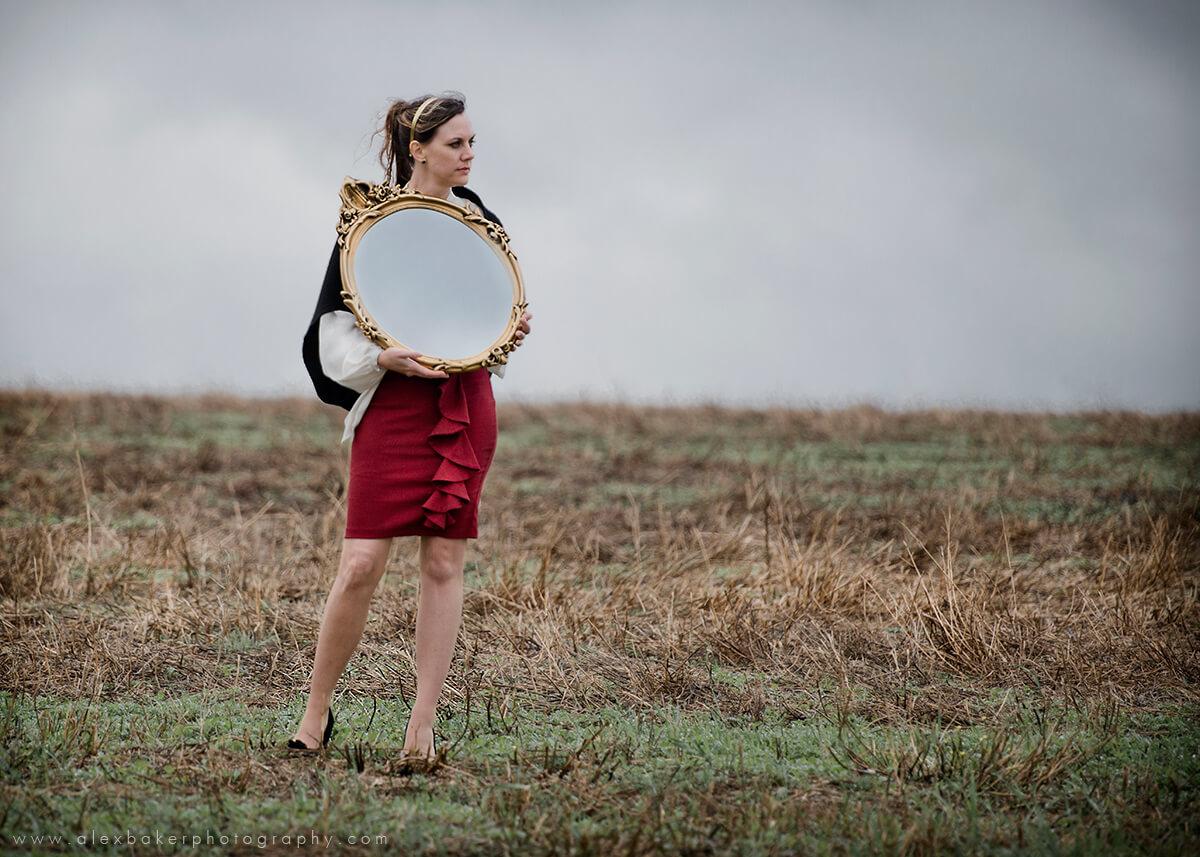 """""""Espelho, espelho meu: existe alguém que saiba mais do que eu?"""""""