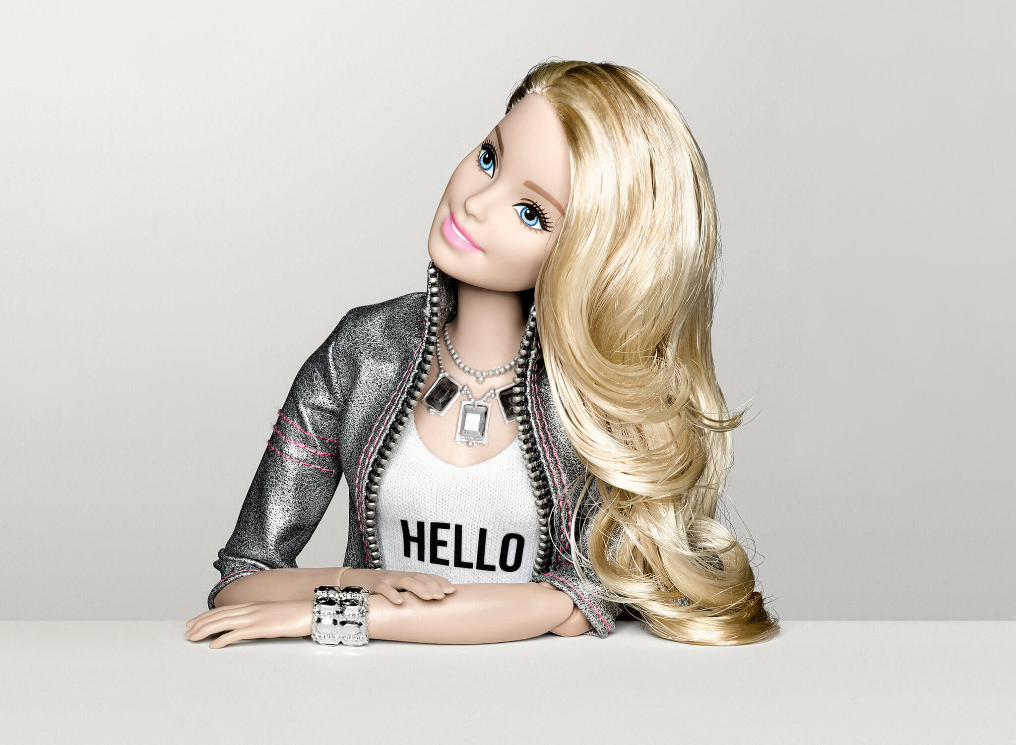 A Tecnologia Por Trás da Nova Barbie Inteligente