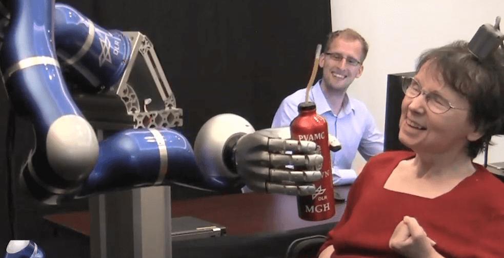 Mind-control-of-robot