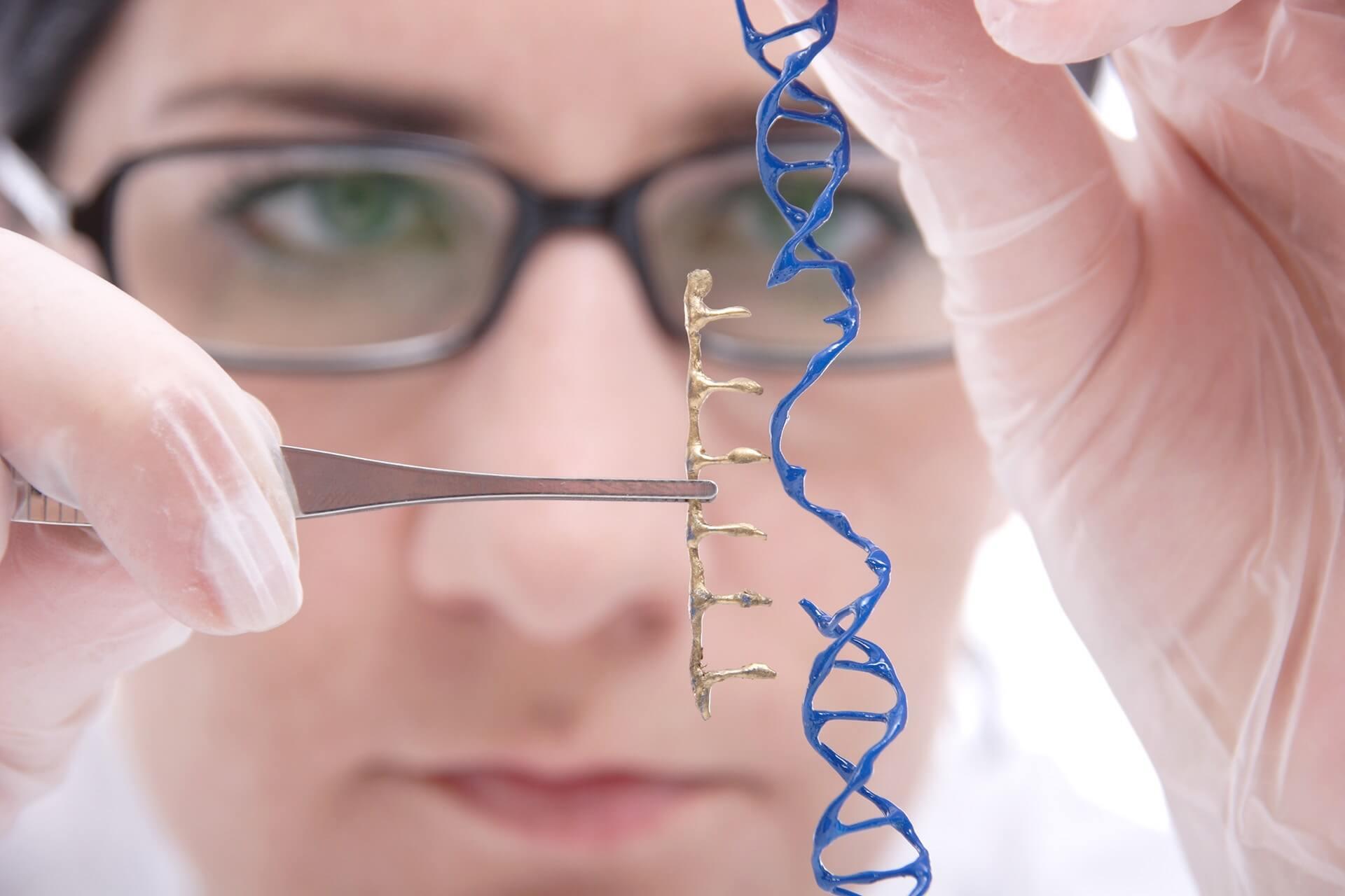 A CRISPR revolucionou a edição do DNA – o problema é que não estamos preparados para as consequências