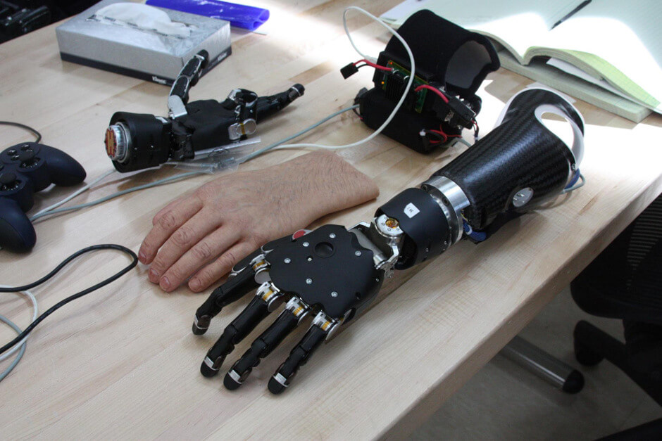 hand-prothesis-sense-touch-darpa-1