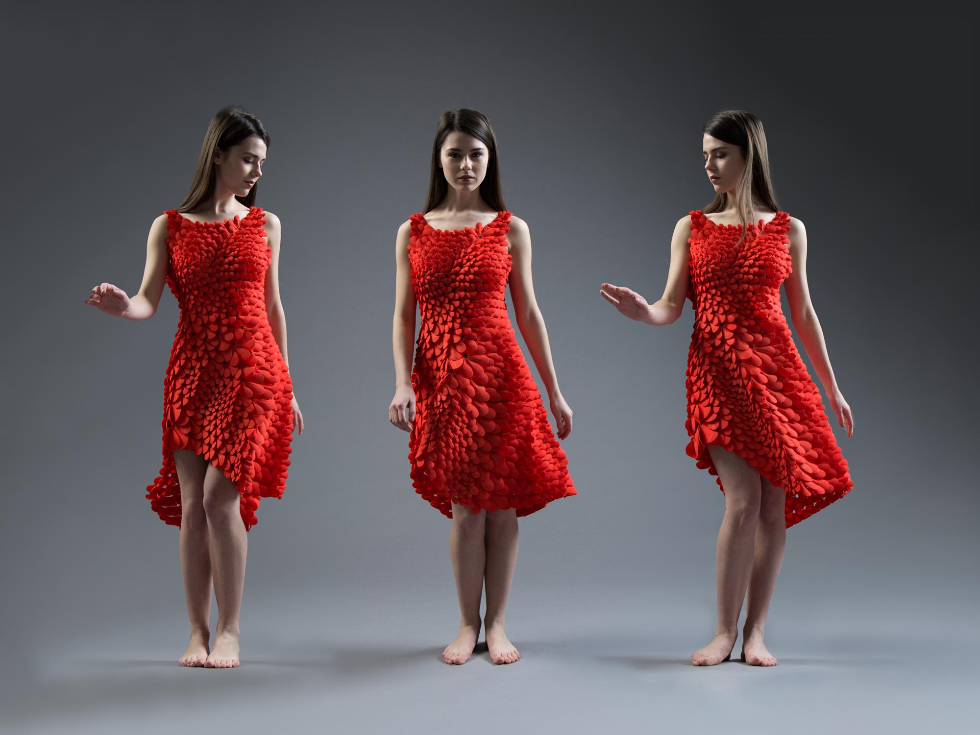 Você pode customizar e comprar online esse vestido impresso em 3D